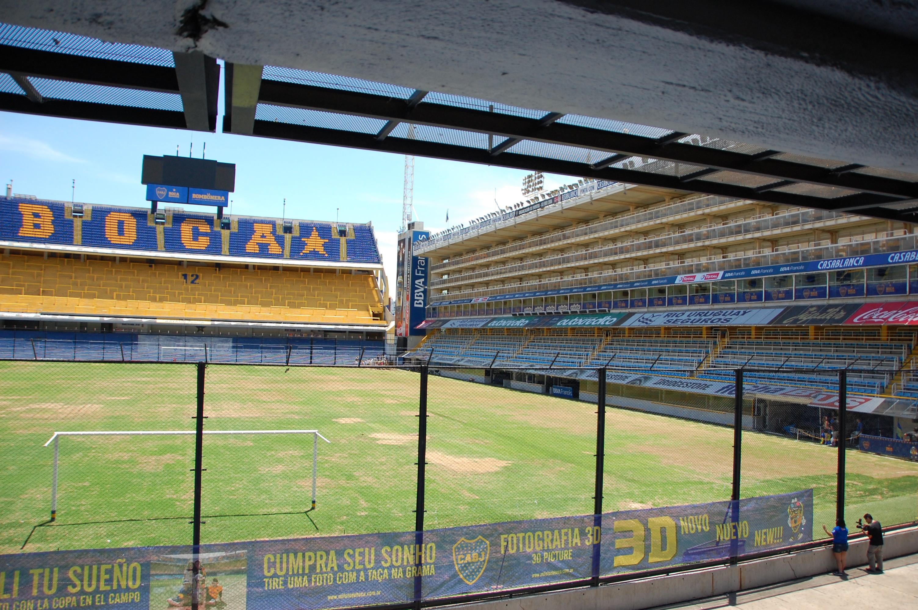 Buenos Aires rivista da me: un giro trasversale tra campi di calcio e storie di pallone