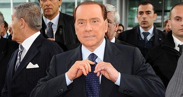"""Sentenza Berlusconi: """"Condannato!"""". Le reazioni a piazza Cavour, sede della Cassazione"""