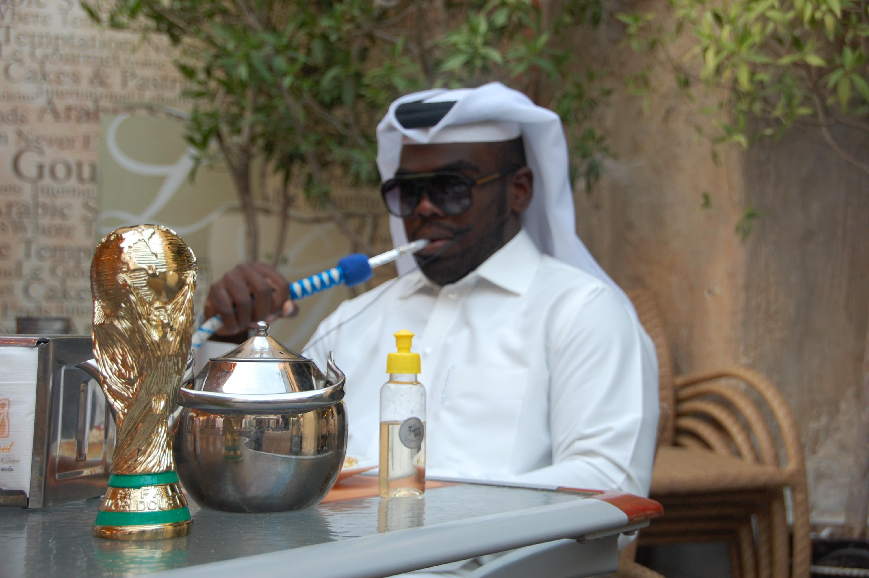 """Qatar 2022, il mio reportage in terra araba: Ecco come """"comprano"""" il nostro calcio… SPORT WEEK in edicola!"""