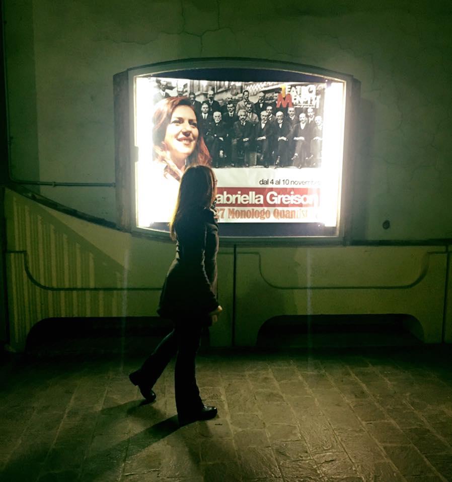 """Tipo che se uno passa dal Teatro Menotti di sera, ci sono io dentro che faccio lo spettacolo!!! Dal 4 al 10 novembre """"1927 MONOLOGO QUANTISTICO"""""""