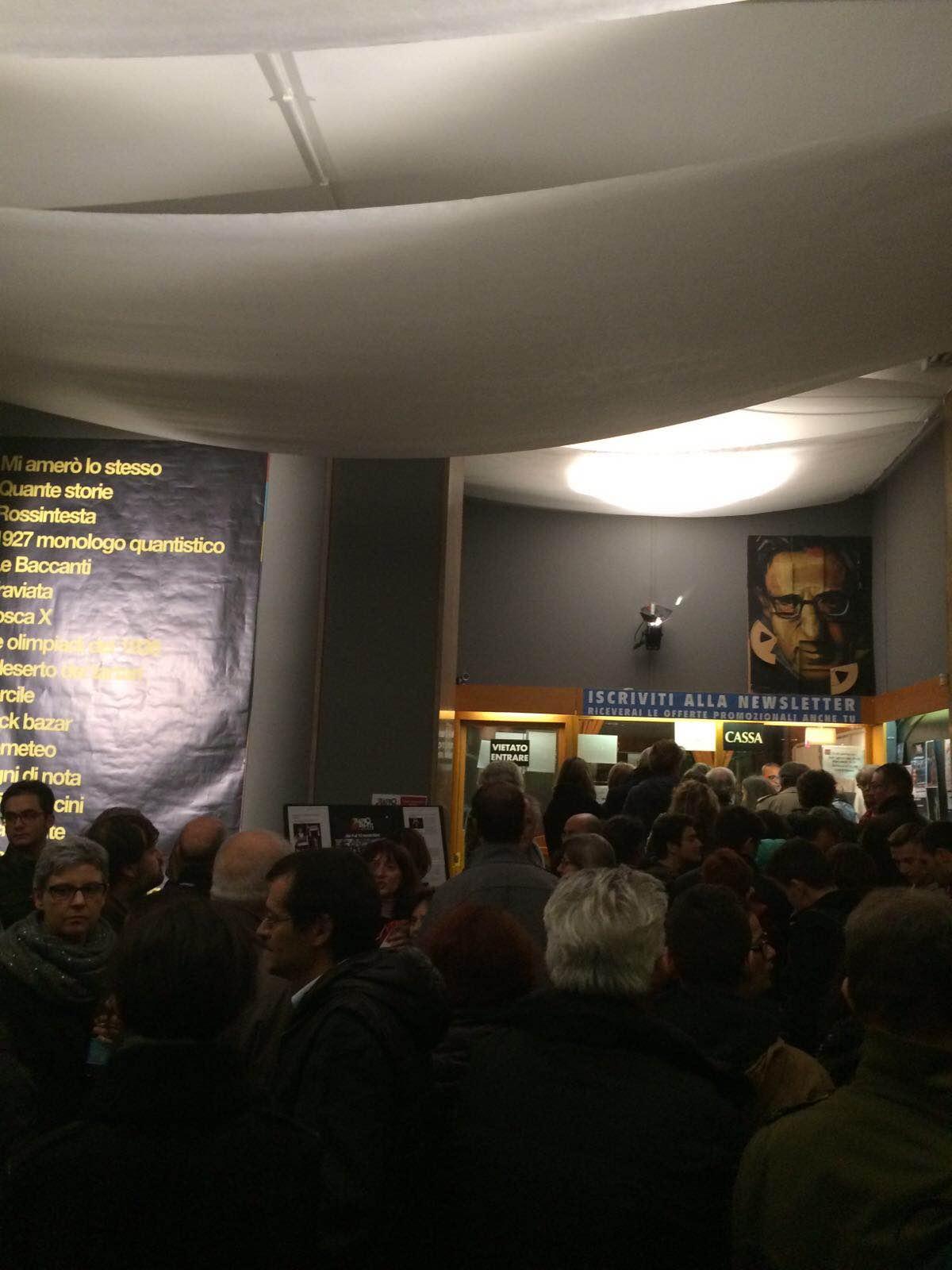 """La seconda serata a teatro con """"1927 MONOLOGO QUANTISTICO"""" con altre 350 persone di pubblico!"""