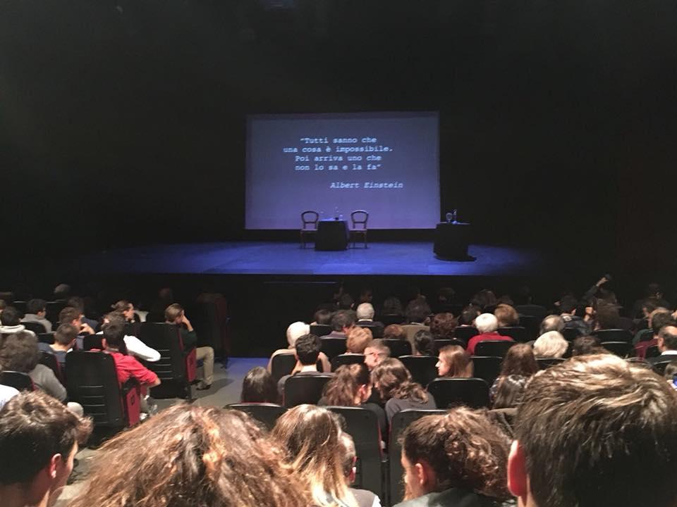 Le tre repliche a Milano con quasi 1.500 persone e tanti ragazzi!!! Ecco il racconto, con quello che ho visto dal palco…