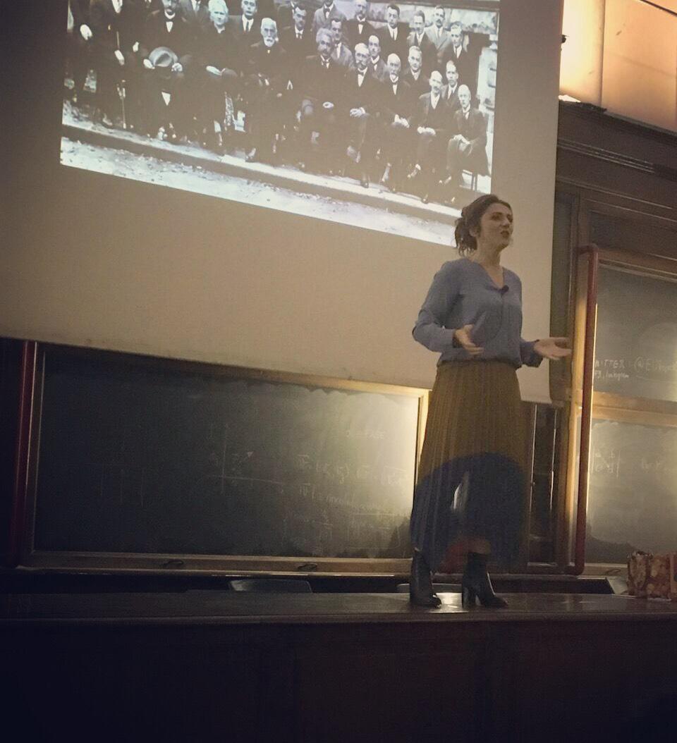 Università di Torino, Chimica, Aula Magna. Toccava a me parlare, e l'ho fatto alla mia maniera: salendo sulla cattedra…e il mio MONOLOGO QUANTISTICO l'ho fatto da lì