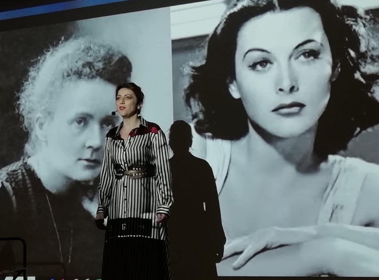 Al Muse di Trento ho portato il mio monologo DUE DONNE AI RAGGI X – MARIE CURIE E HEDY LAMARR, VE LE RACCONTO IO una bella serata! Anche a Firenze è andata alla grande…