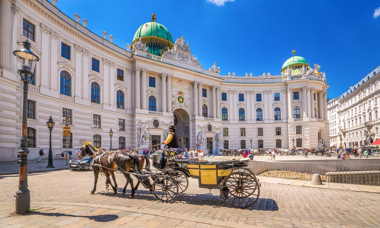 Sono stata invitata dall'OSCE a fare il mio monologo direttamente all'HOFBURG di Vienna (il palazzo della Principessa Sissi)…e l'evento è stato bellissimo!