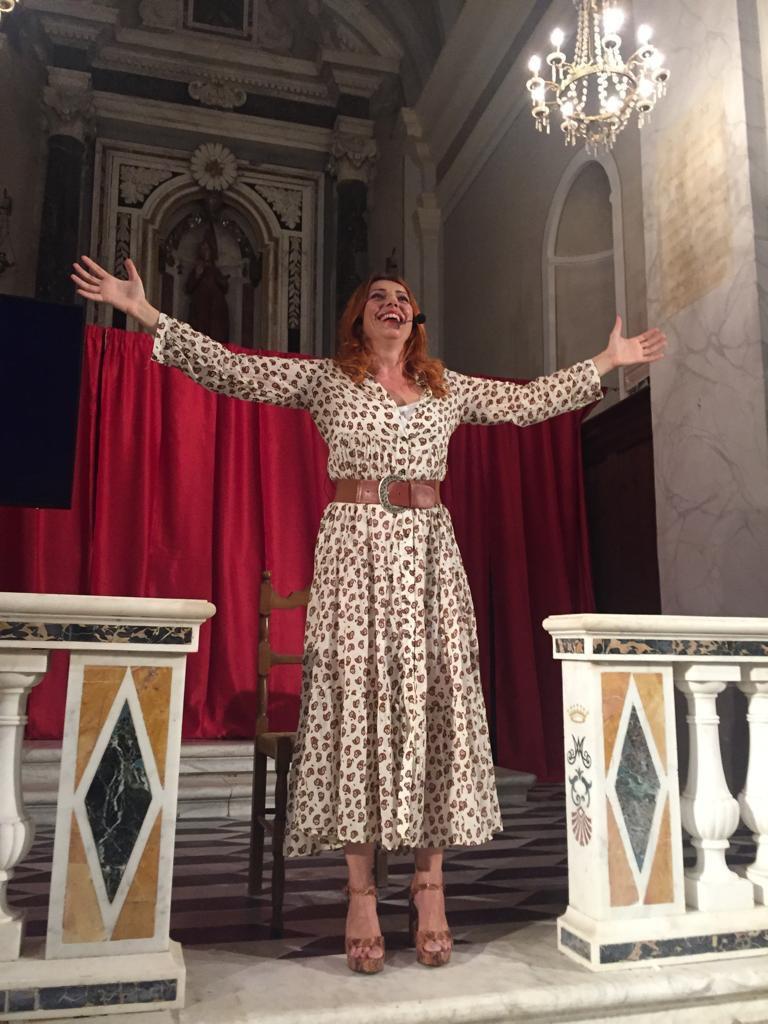 Il monologo EINSTEIN E IO in scena in una chiesa…è stato bello! Grazie Fosdinovo…