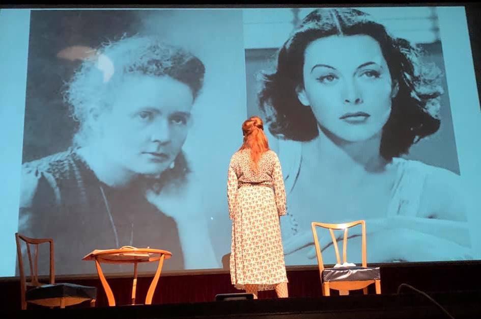 """A Verona ho portato """"Due donne ai Raggi X – Marie Curie e Hedy Lamarr, ve le racconto io"""" al Teatro Stimate, spettacolo offerto dall'AOUI"""