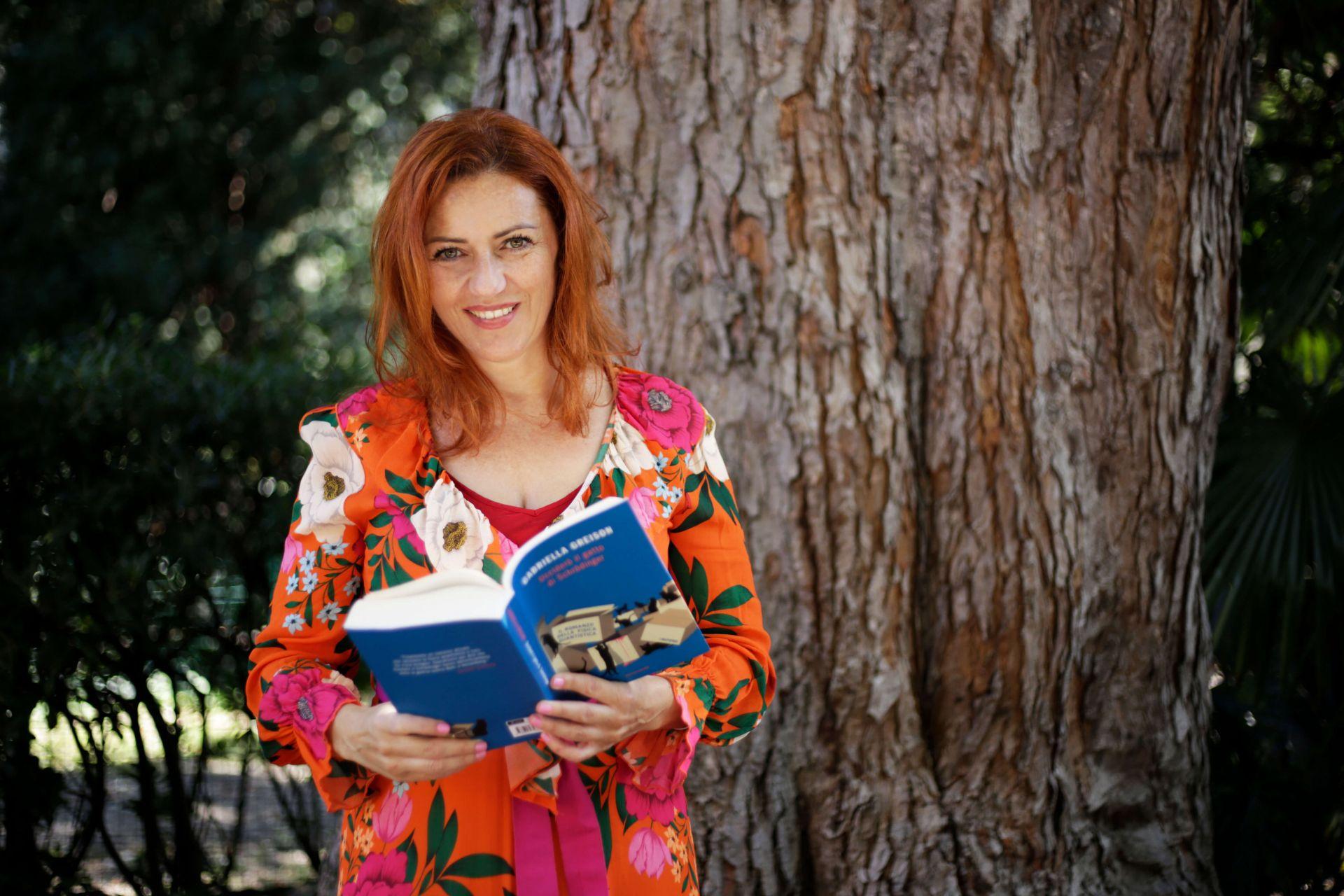 Nuove foto del contest a cui ho partecipato…stavolta il tema è 'studiosa', bellissime!