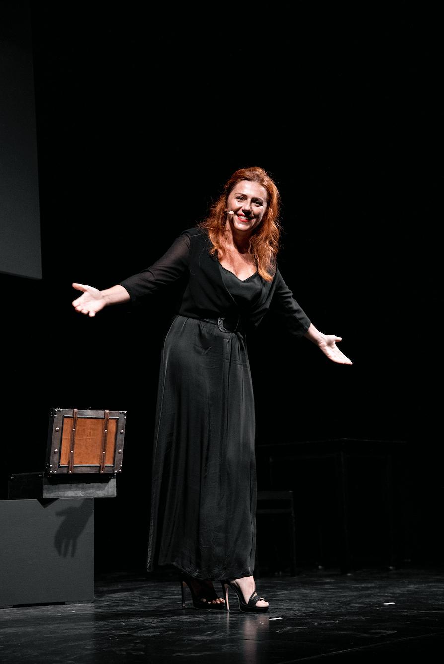 Le foto del mio spettacolo su Marie Curie portato in scena al Teatro Piccolo di Milano…eccole!